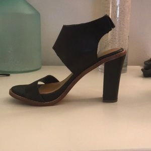 Dolce Vita black leather strappy sandal